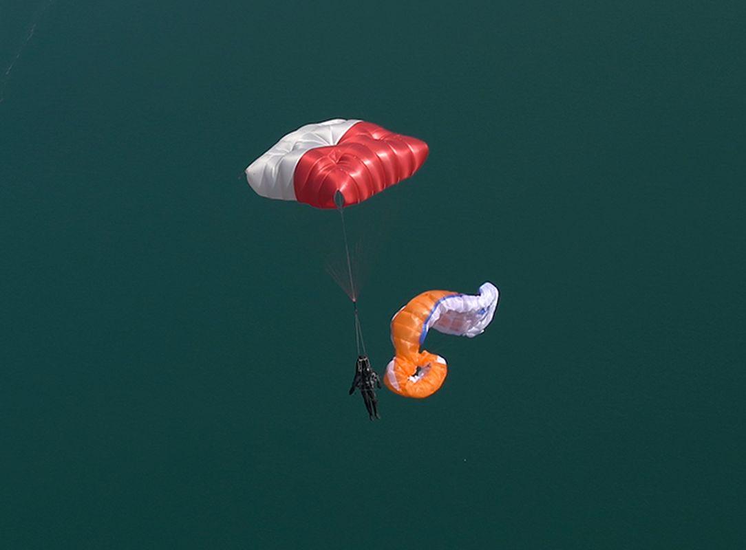 Fluid Light - Легкий квадратный спасательный парашют SupAir Fluid Light. Применение