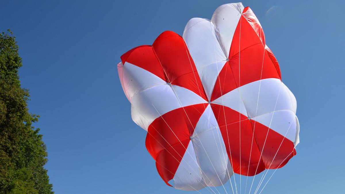 SupAir Fluid - SupAir Fluid спасательный парашют. Квадратный парашют нового поколения